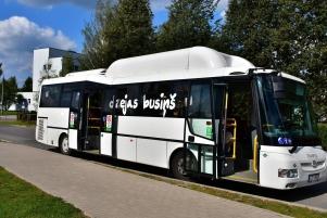 Dzejas-buss.2019.11.09.F.J.L.-003