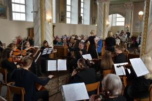 Koncerts-baznica.2019.07.04.F.J.L.-066